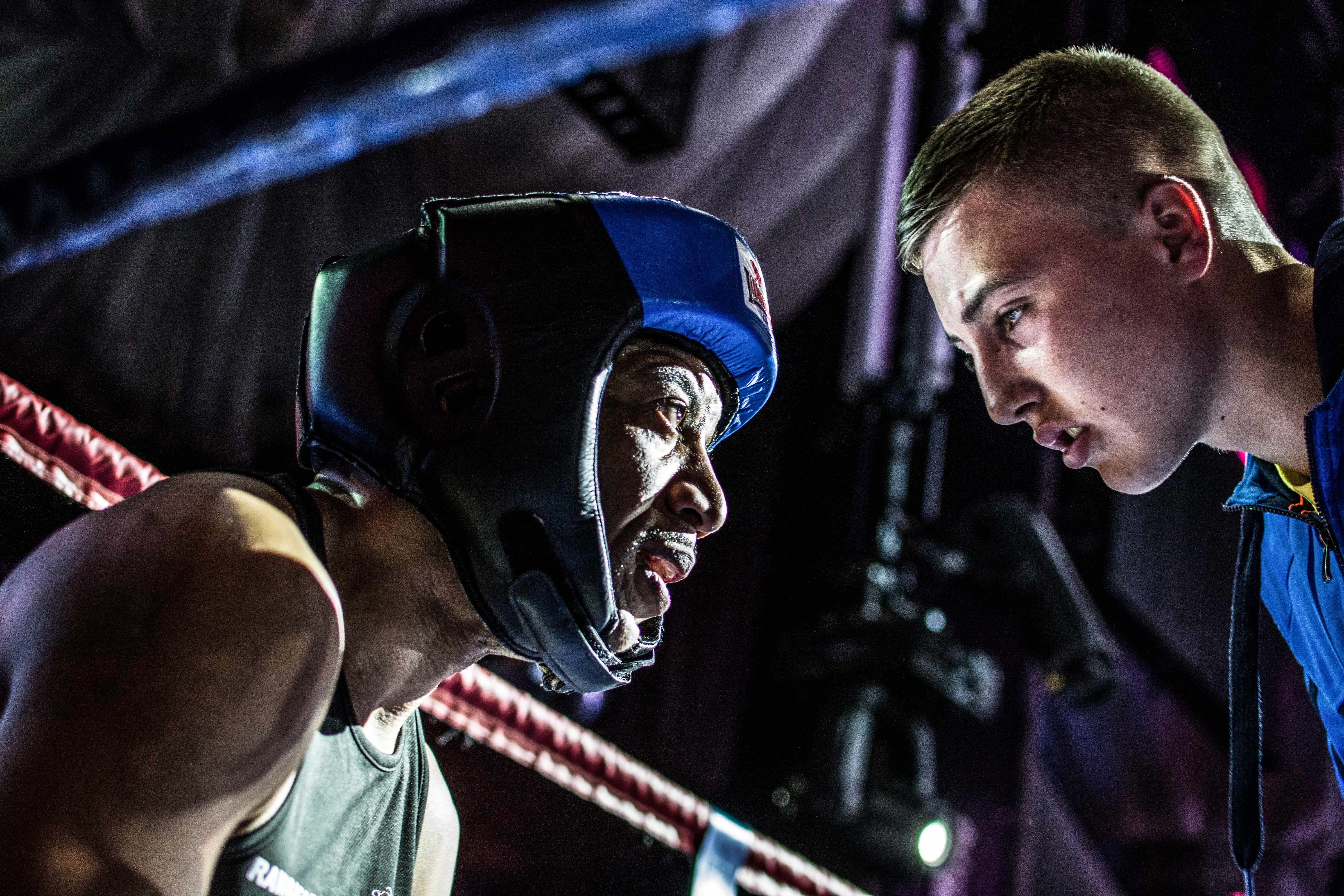 how to become a boxing photographer